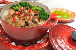 Spare ribs in black bean sauce with rice